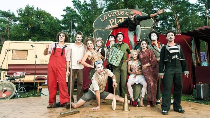 HH-Producties-theaterbureau-voor-theater-straattheater-circus-en-spektakel-voorstellingen-Le-Cirque-du-Platzak-Kermiz-01