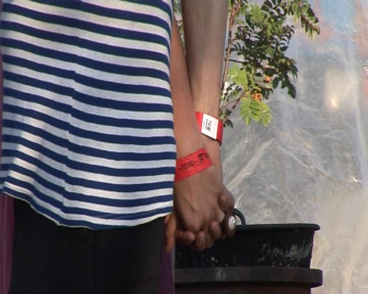 Kéz a Kézben