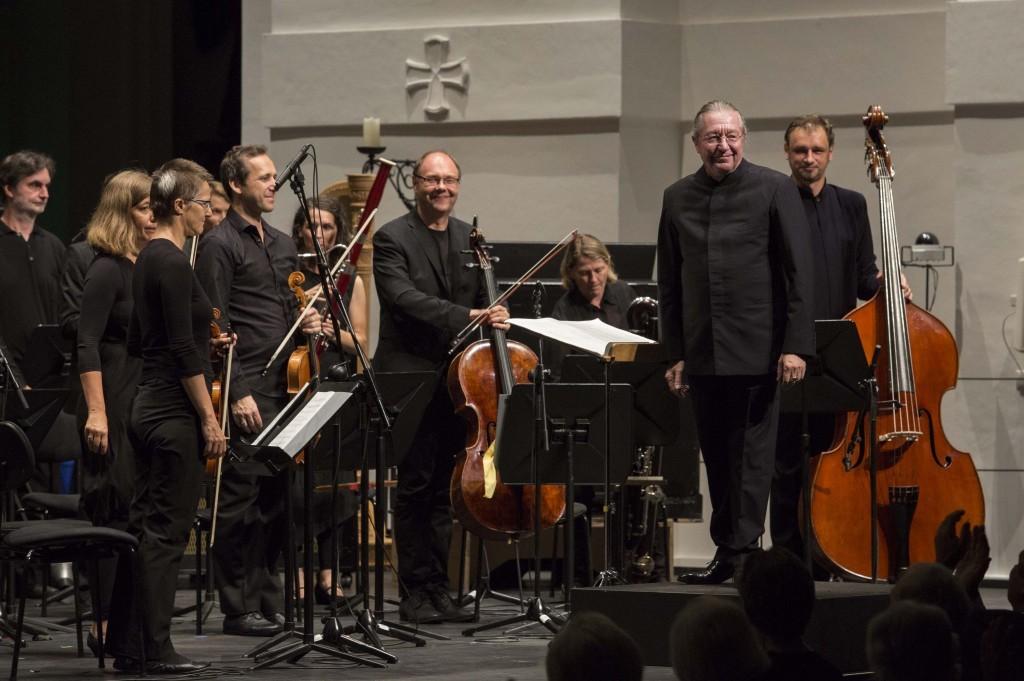 SALZBURG CONTEMPORARY • CERHA UND KURTÁG •KLANGFORUM WIEN Sylvain Cambreling, Dirigent Klangforum Wien