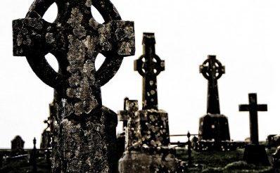 Élet a temetőben